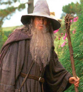 Ian McKellen Almost Ditched Playing Gandalf in The Hobbit ...