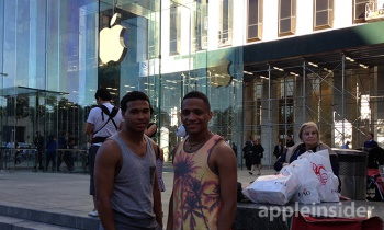 apple fans standing in line for new iphone