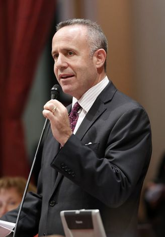 California state senate president Steinberg authored the minor information eraser bill