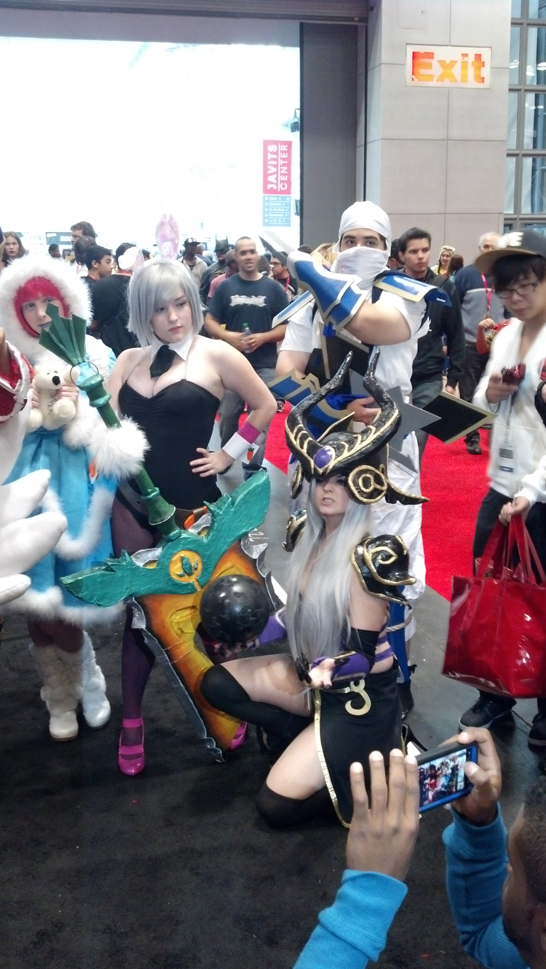 Frostfire Annie, Battle Bunny Riven, Shockblade Zed, Syndra