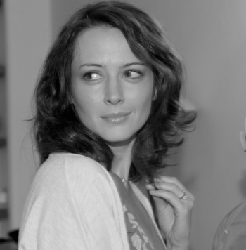 Amy Acker in Much Ado About Nothing 350