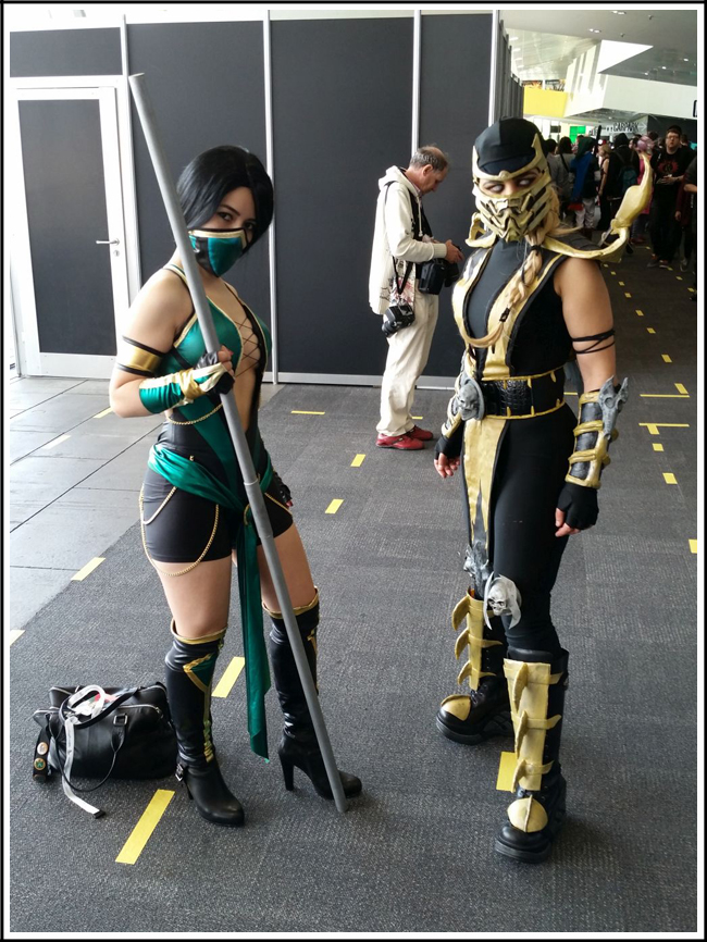 pax aus cosplay day 2 008 - mortal kombat - jade and scorpion