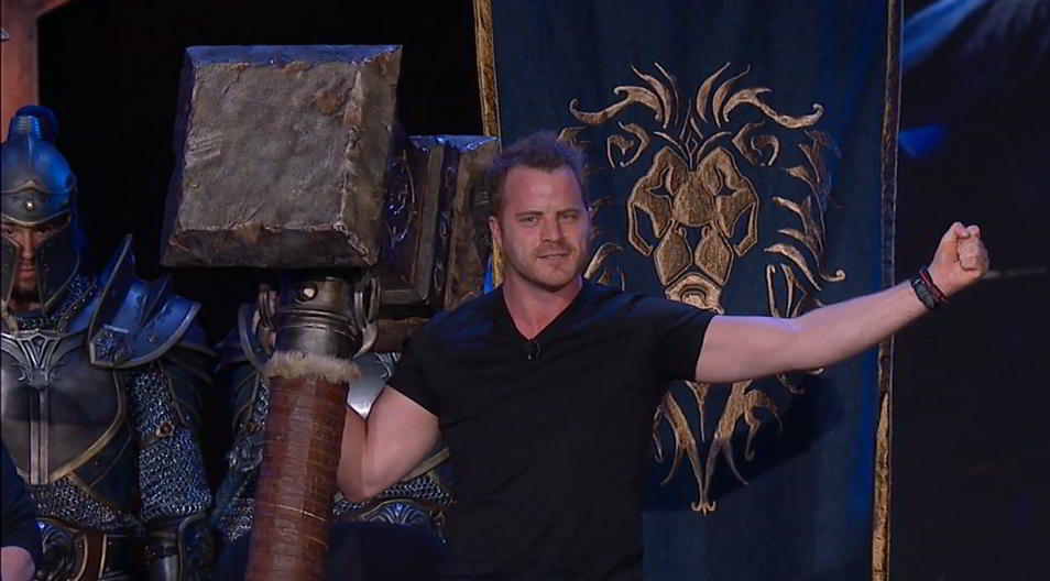 rob kazinsky with doomhammer