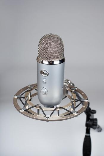 Blue Microphones Radius II shock mount