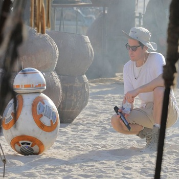 jj abrams and bb8