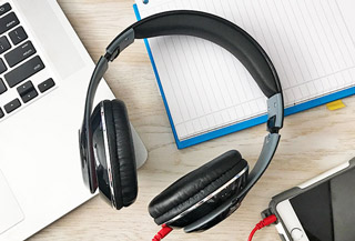 1voice-bt-headphone-deal-320