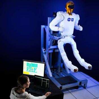 NASA Robonaut 2 gets some fancy, new legs
