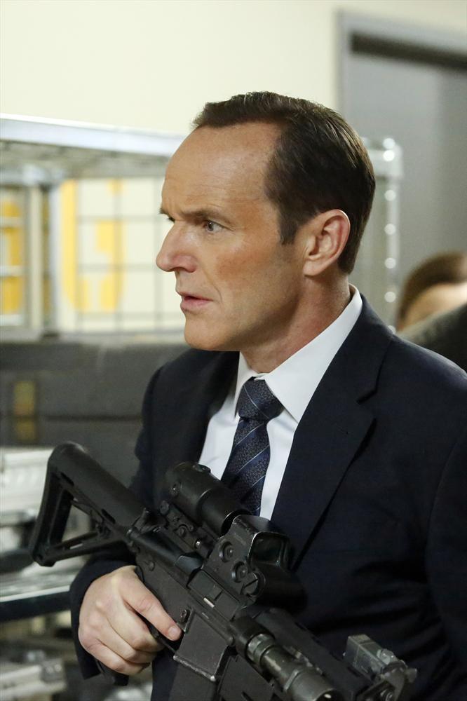 shield-s1-e20-coulson-gun