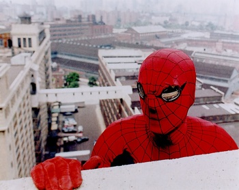 amazing spider-man climbing