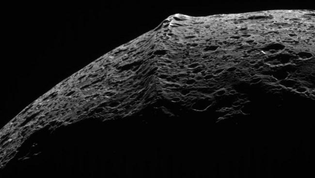 Iapetus Ridge