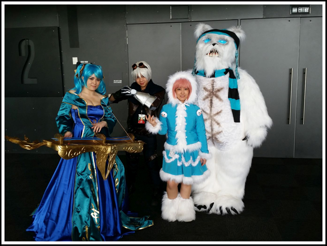 pax aus cosplay day 2 014 - league of legends - sona, frosted ezreal, frozen annie