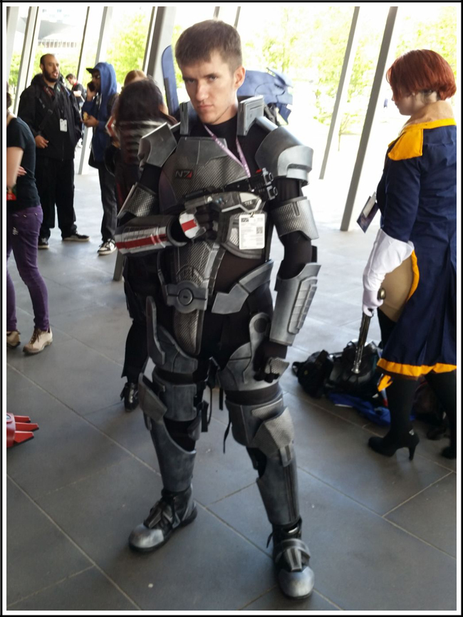 pax aus cosplay day 2 002 - mass effect - male shepard