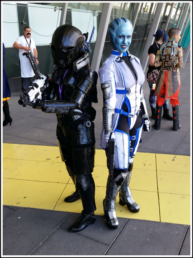 pax aus cosplay day 2 005 - mass effect - shepard and liara