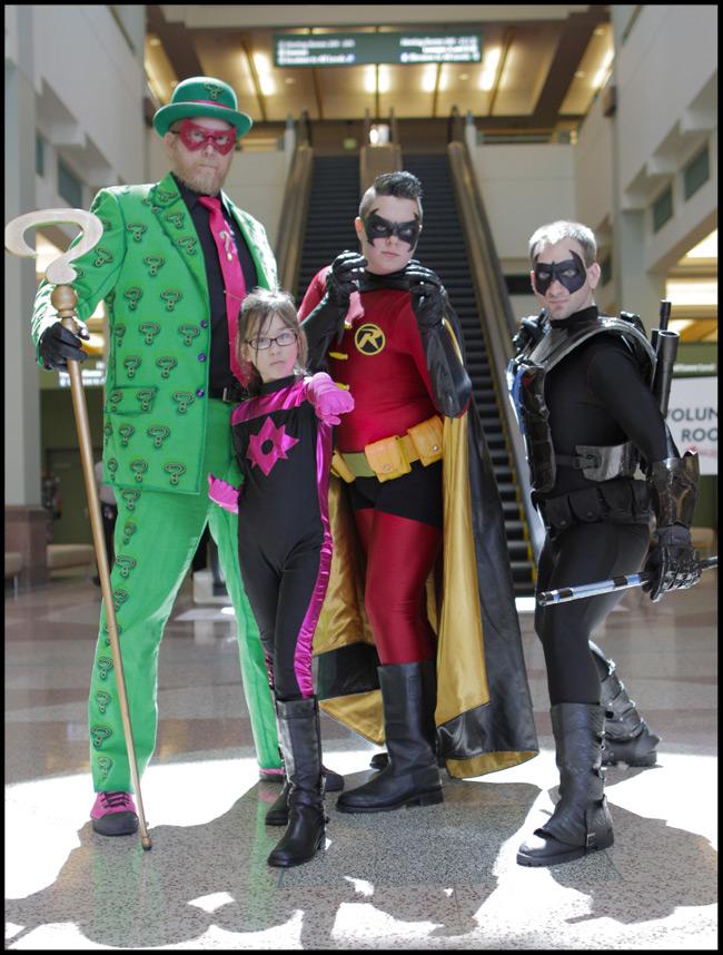 Riddler, Starsaphire, Robin, and Nightwing